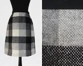 Monochrome 1960s Wool Che...
