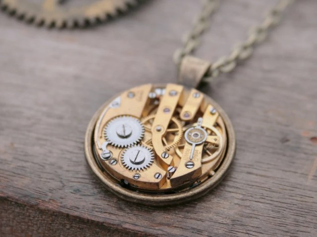 Industrial Necklace Watch Movement Unisex Necklace Vintage Clockwork Pendant Industrial Jewellery Fantasy Steampunk Costume Jewelry
