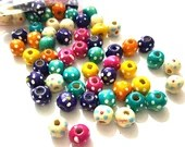 Pack of 100 Assorted Colours Round Speckled Wood Beads. 10mm Spotted Wooden Spacers.