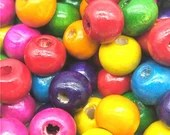 Pack of 200 Assorted Colours Round Wooden Beads. 8mm x 6mm Natural Wood Spacers