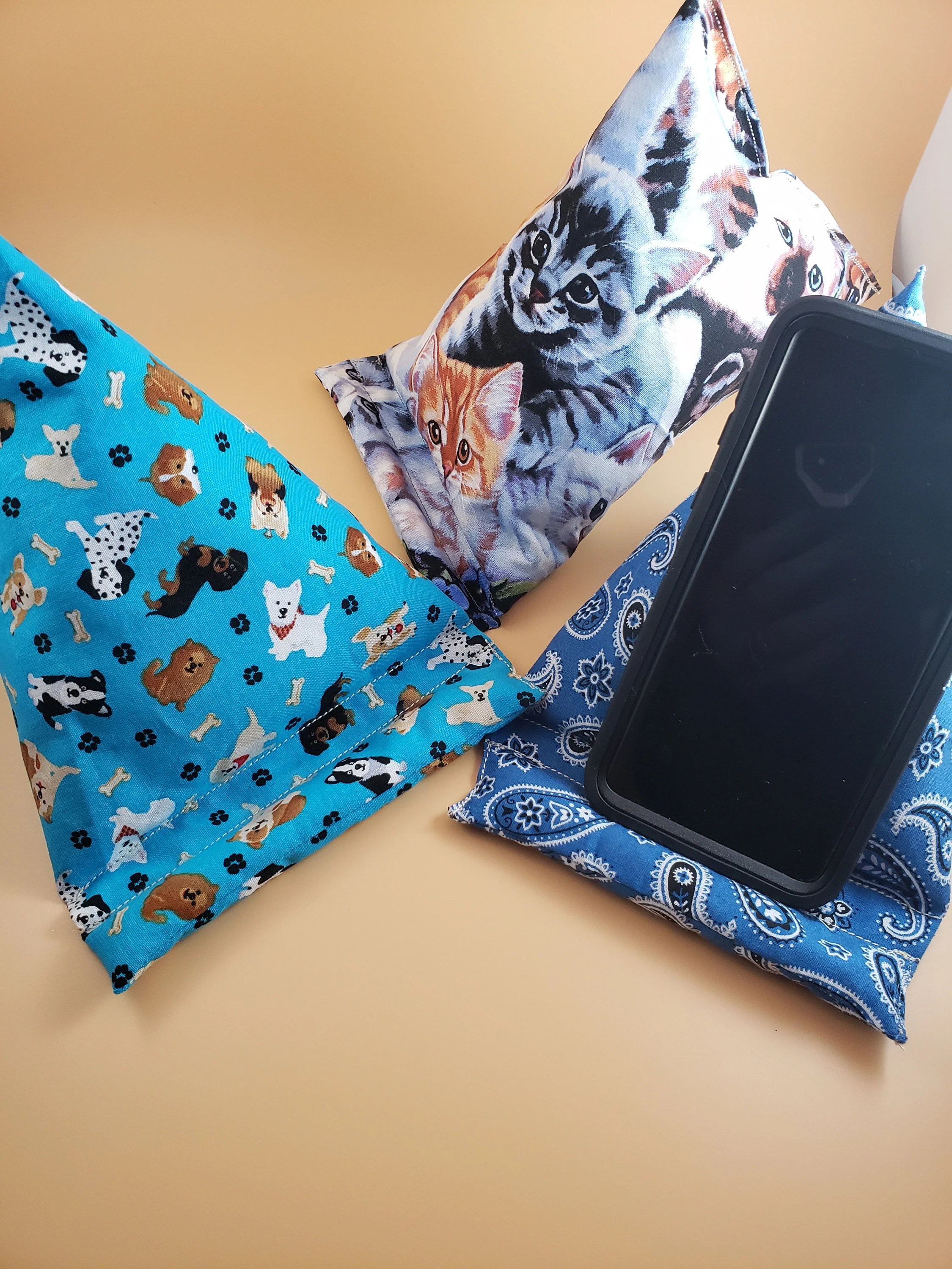 https www vintagestylebyjo com listing 573525523 sale cell phone tablet pillow stand cat