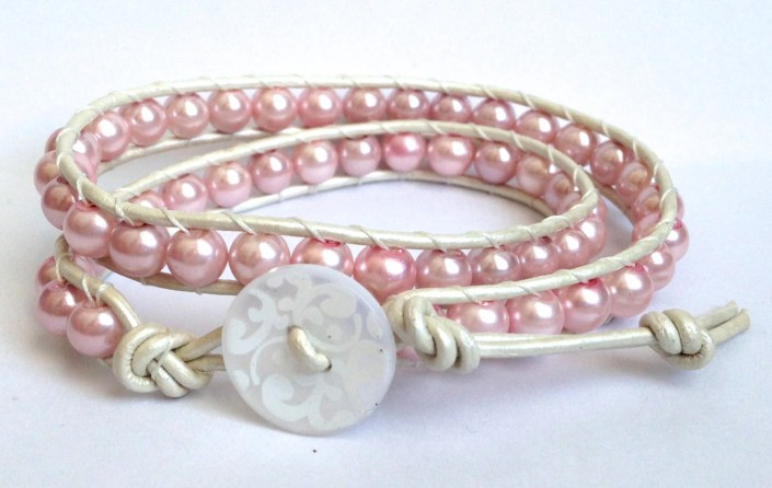 Pink Pearls / White -  Do...