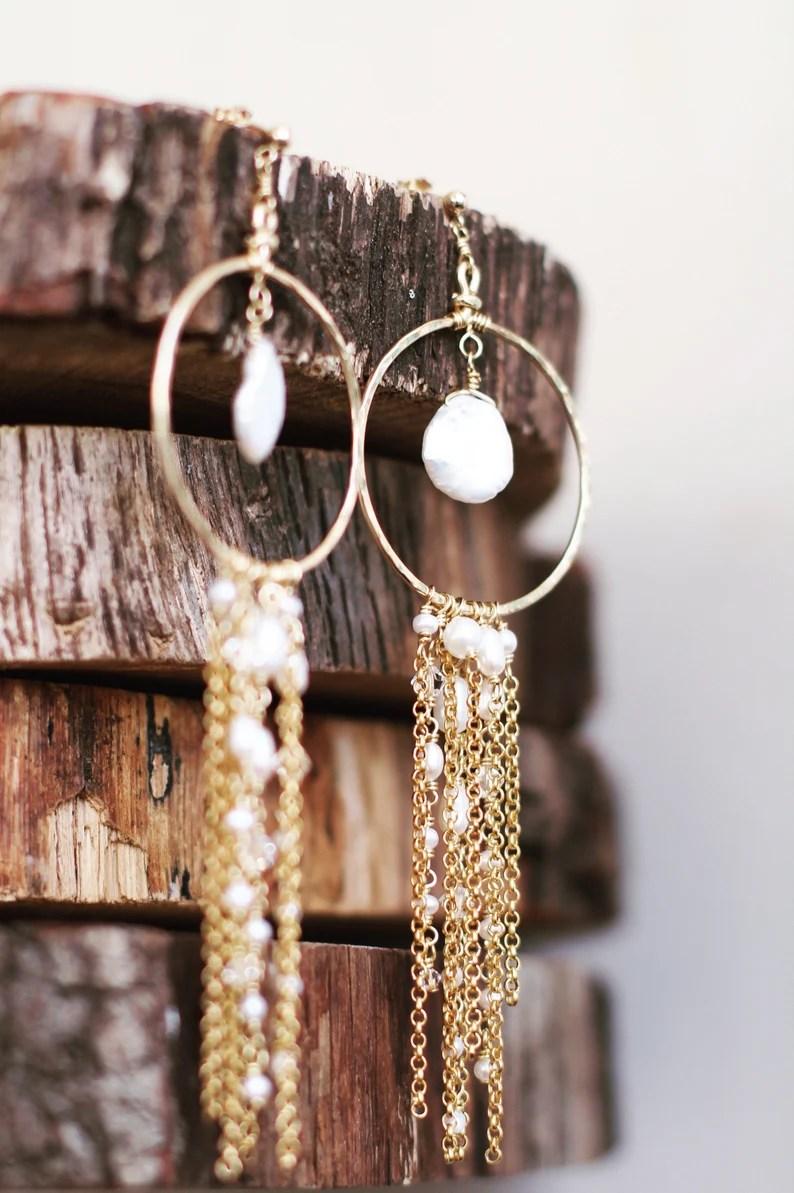 Hangende oorbellen voor de boho-bruid