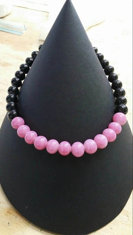 choker necklace in black ...