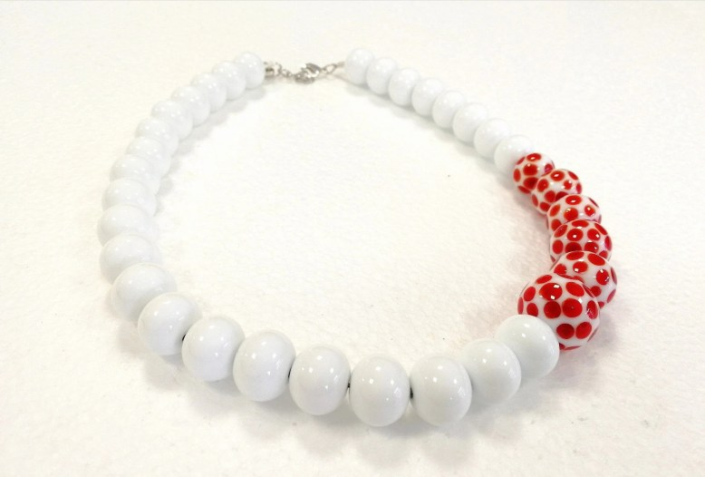 Choker necklace made of w...