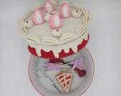 fake strawberry cake, felt box