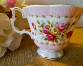 Royal Albert ''Gaiety Series Valeta'', England: Pink and red tea cup with roses