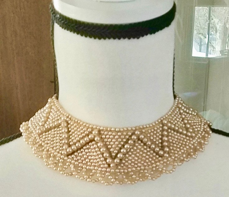 Vintage Glass Pearls Point Collar Necklace / Made in Japan/ 1940's