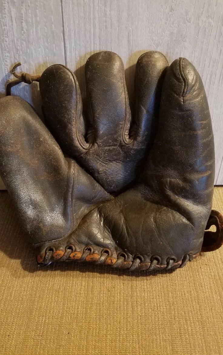 Leather Baseball Glove Catcher's Mitt with Ball/Rustic Sports Memorabilia
