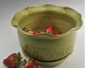 Berry Bowl, Berry Colander, Ceramic Berry Bowl Strainer, Fruit Bowl,  Wheel Thrown, Green, Handmade, In Stock, Ready to Ship, Free Shipping