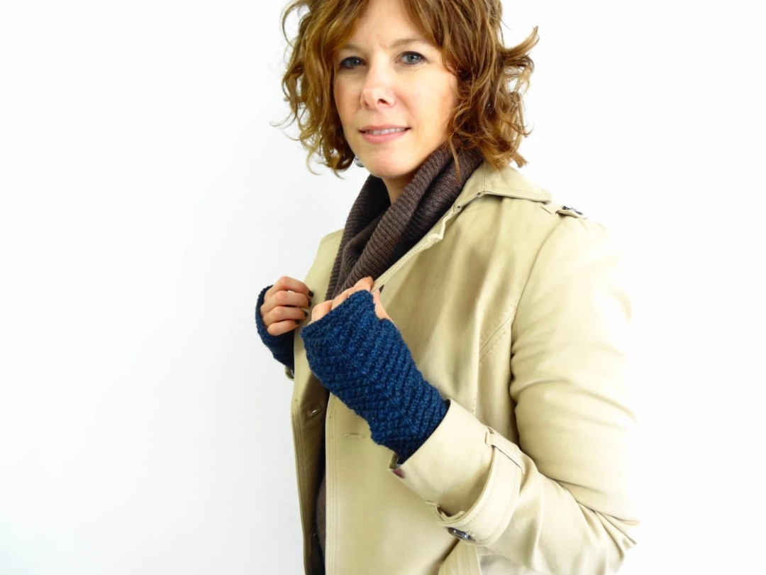 Lettercarrier Mitts - Kni...