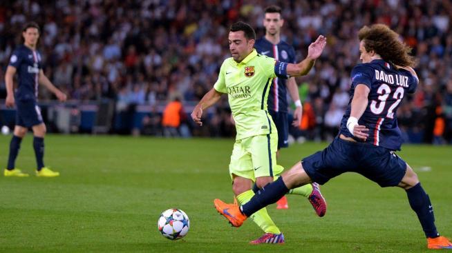 Xavi (FC Barcelone) face à David Luiz (PSG) - Ligue des champions 2014/2015