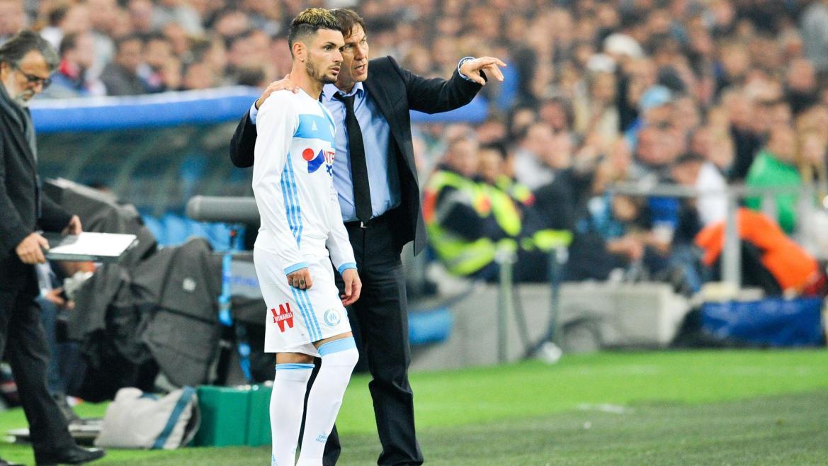 Rémy Cabella et Rudi Garcia lors de Marseille - Bordeaux en Ligue 1 le 30 octobre 2016