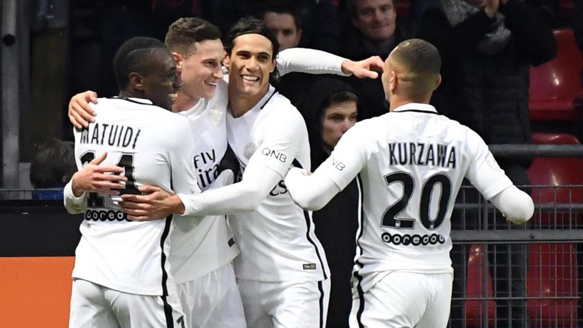 Julian Draxler félicité après son but face à Rennes