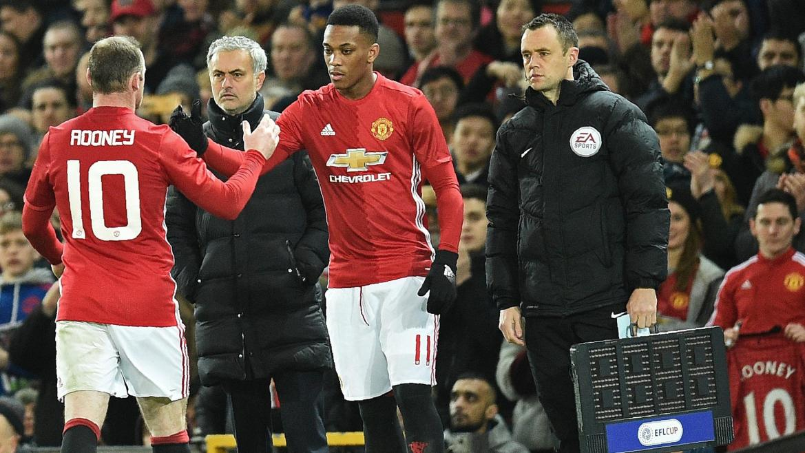 Anthony Martial remplace Wayne Rooney