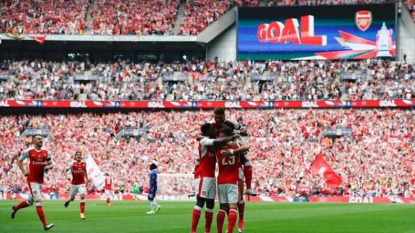 Aaron Ramsey winner downs 10-man Chelsea in FA Cup final ...