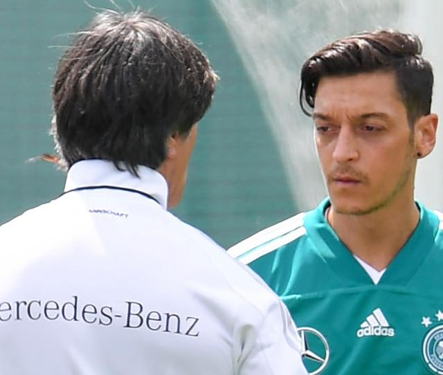 Mesut Ozil Will No Longer Play For Germany Whilst He Has Feeling Of Racism And Disrespect World Cup  Football Eurosport Uk