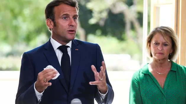 With the Covid premium, Emmanuel Macron heals the wounds of home help