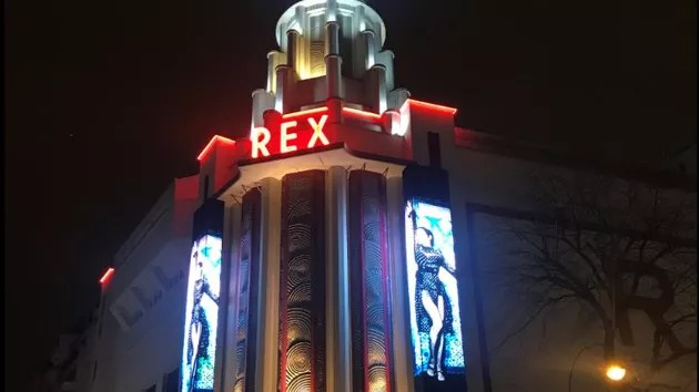 Even three hours late, Madonna shakes the Grand Rex in Paris