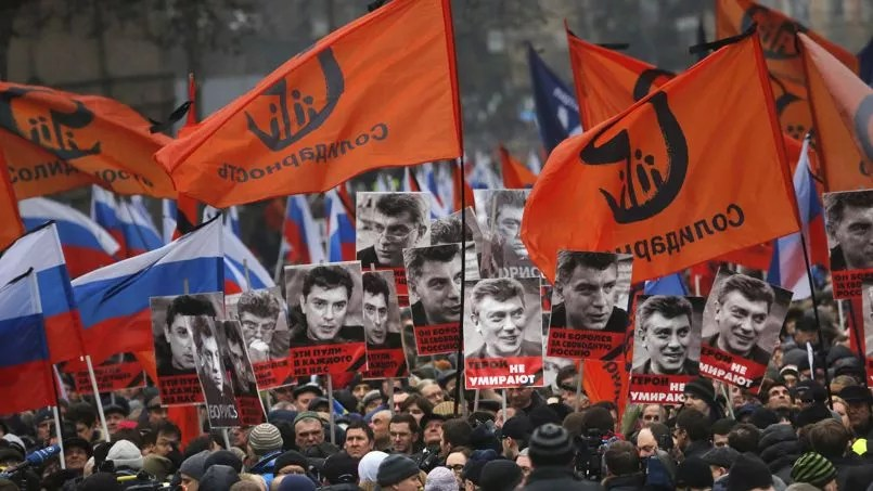 De nombreux Moscovites se sont réuni dimanche à Moscou.