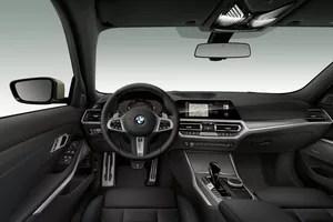 La transmission est confiée à la boîte de vitesses automatique Steptronic à 8 rapports.