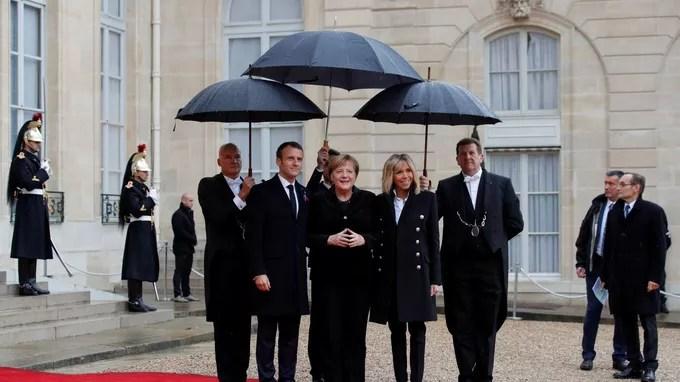 Angela Merkel reçue par le couple Macron.