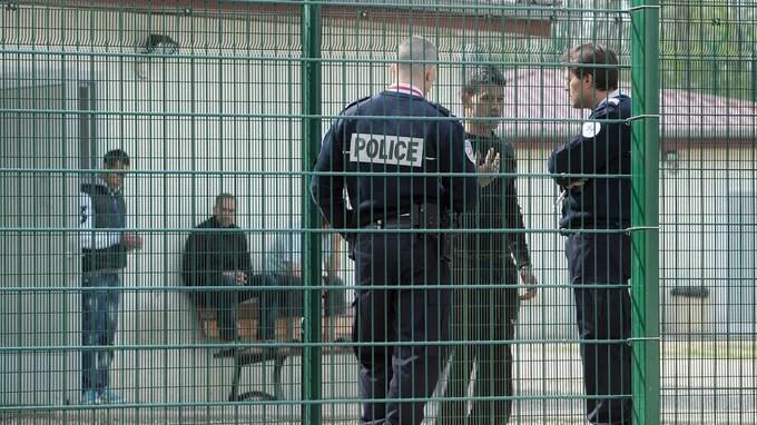 Le gouvernement veut porter à 90 jours la rétention des étrangers en attente d'expulsion