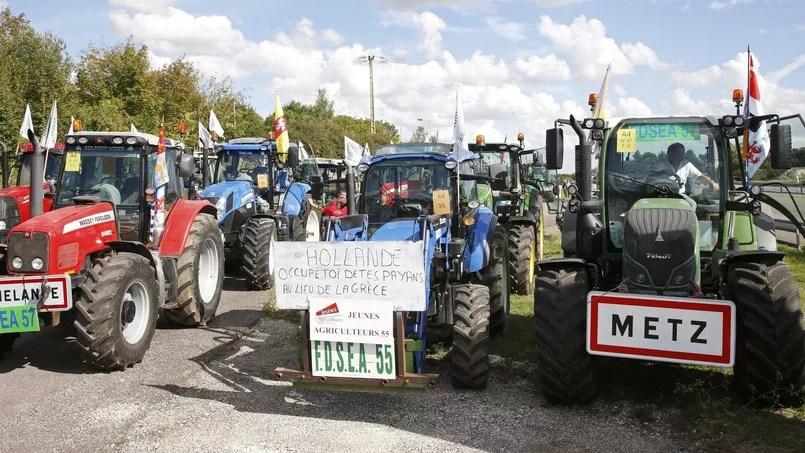 Les premiers tracteurs partis de Bretagne et d'autres régions sont déjà en route pour clore un été de détresse et de colères par une manifestation monstre, jeudi dans Paris.
