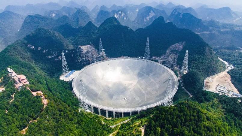 Le radiotélescope a été mis en service dimanche à midi.