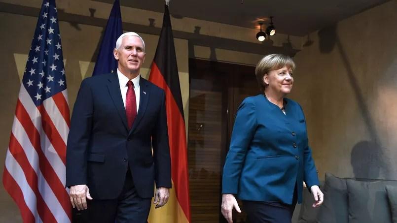 Michael Pence et Angela Merkel, ce samedi à Munich.