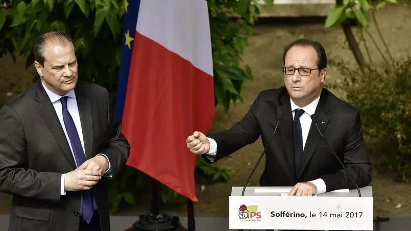 Le premier secrétaire du PS Jean-Christophe Cambadélis a offert un tableau à François Hollande, intitulé «La bonne étoile».