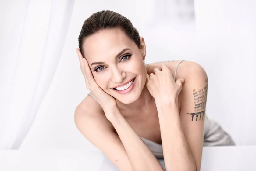 ผลการค้นหารูปภาพสำหรับ Angelina Jolie  Madame Figaro 2019
