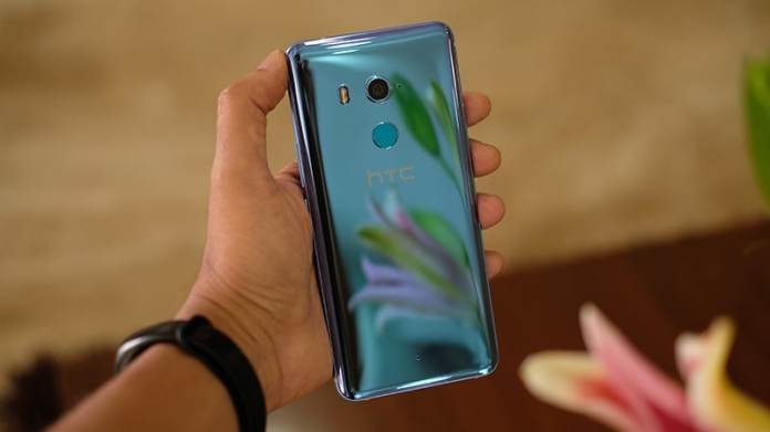 HTC U11 Plus back HTC U11  Review