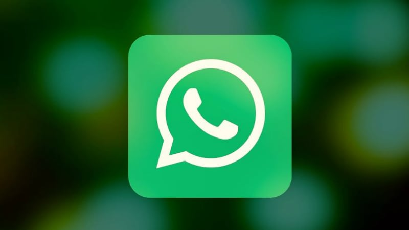WhatsApp Tests Facebook-Style Coloured Text Status Feature: Report
