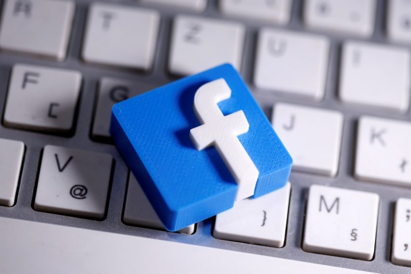 Facebook imposes heavy fines for stealing users' data