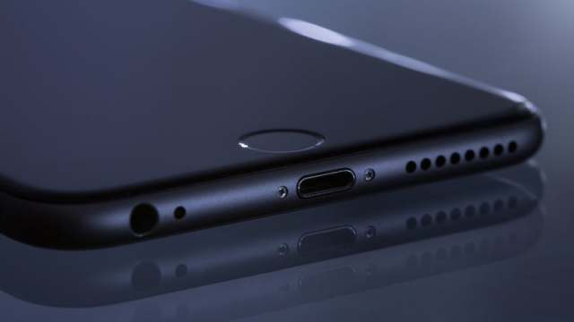 iPhone 8 Design Leaked, Nokia 9 Specifications Revealed, Xiaomi India Mi Home Sales, and More: Your 360 Daily