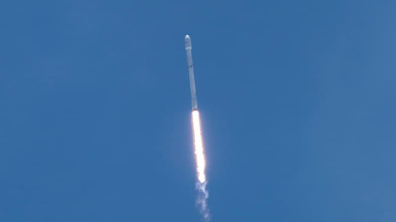 SpaceX Successfully Launches Iridium Satellites Into Orbit Atop Falcon 9
