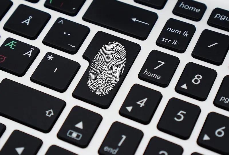 كيفية قفل Aadhaar البيانات البيومترية على الإنترنت