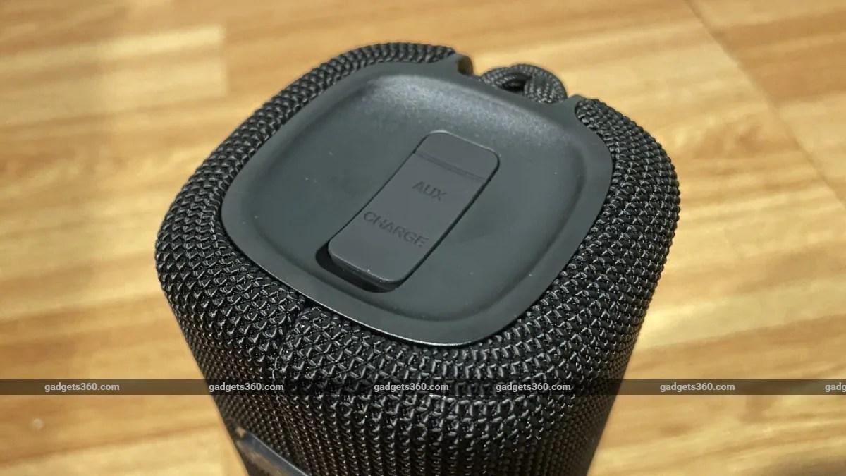 mi portable bluetooth speaker 16w review ports Mi  Xiaomi