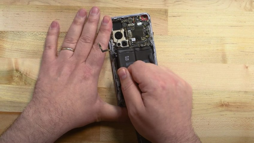 OnePlus 9 Pro Teardown Video Gives Details About Its Repairability