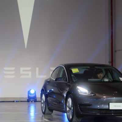 Elon Musk Prepares Tesla Employees for 'Most Intense Delivery Week Ever'