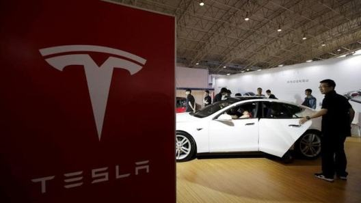 Tesla Sues Ex-Autopilot Head Over Recruiting Tesla Engineers for New Gig