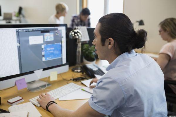 КАК: Как добавить текстовые эффекты в Adobe InDesign - 2020
