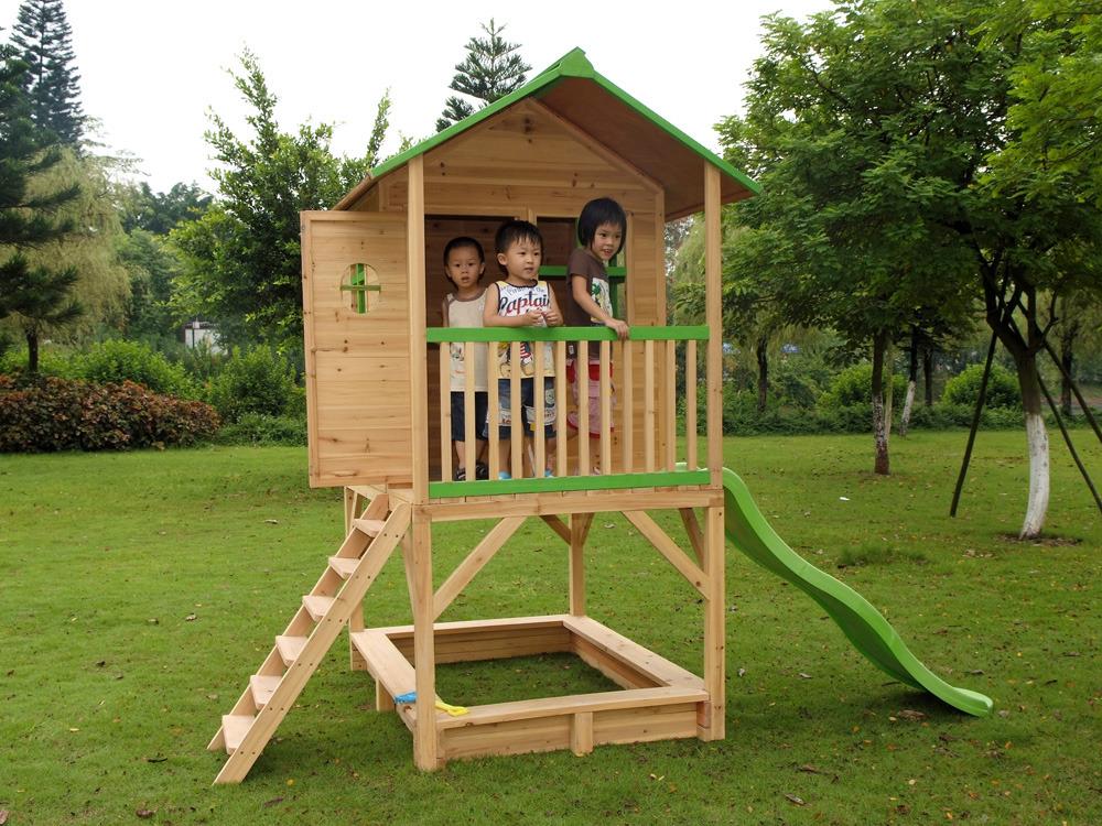 cabane de jardin en bois sur pilotis
