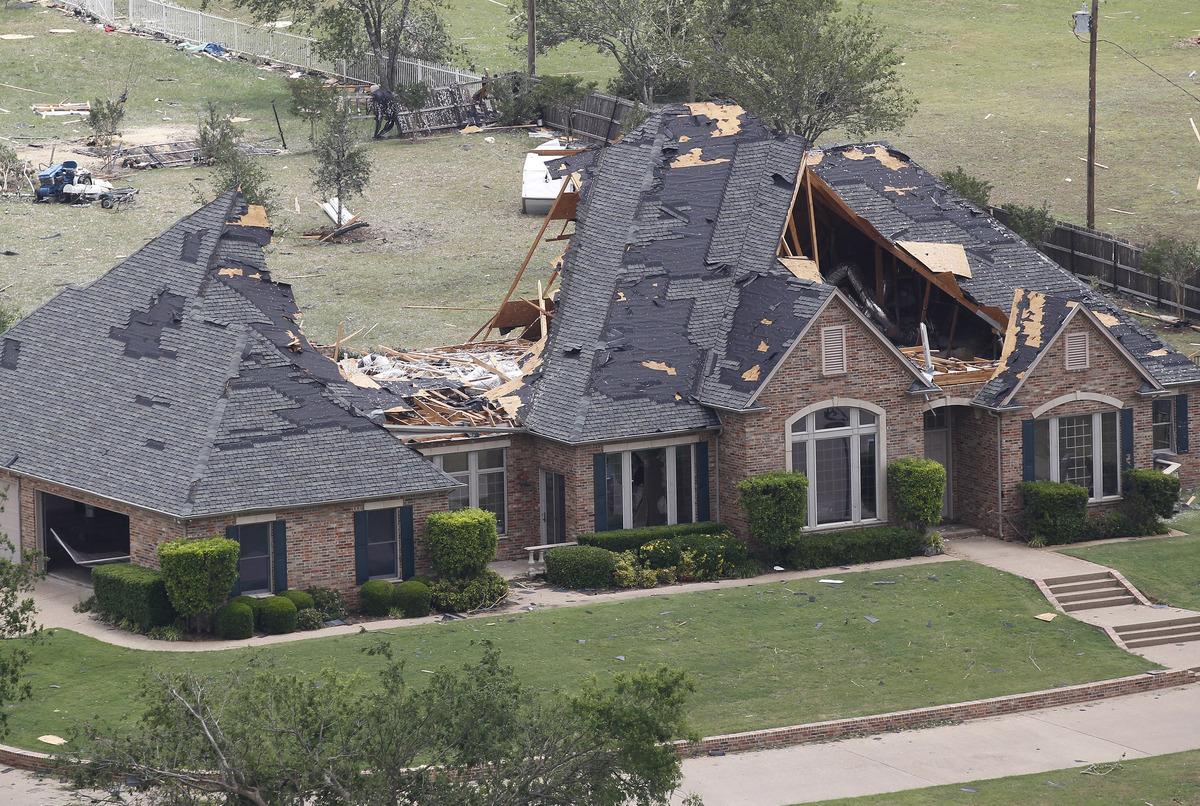 Texas Tornadoes Twisters Damage Homes Near Dallas Fort