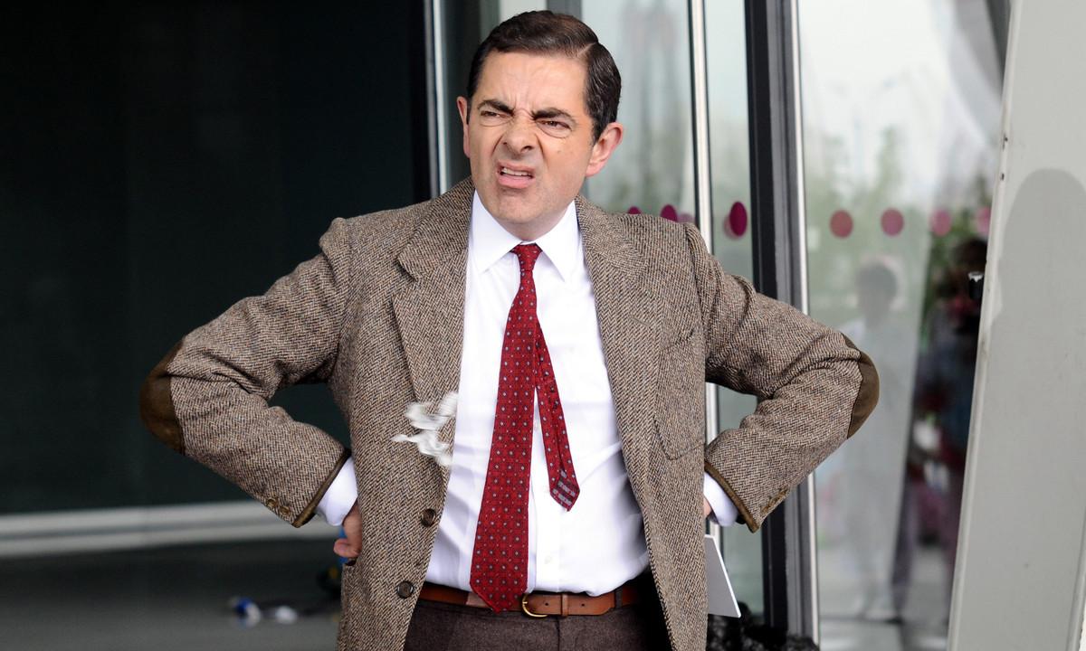 Mr Bean Shoots Light Bulb