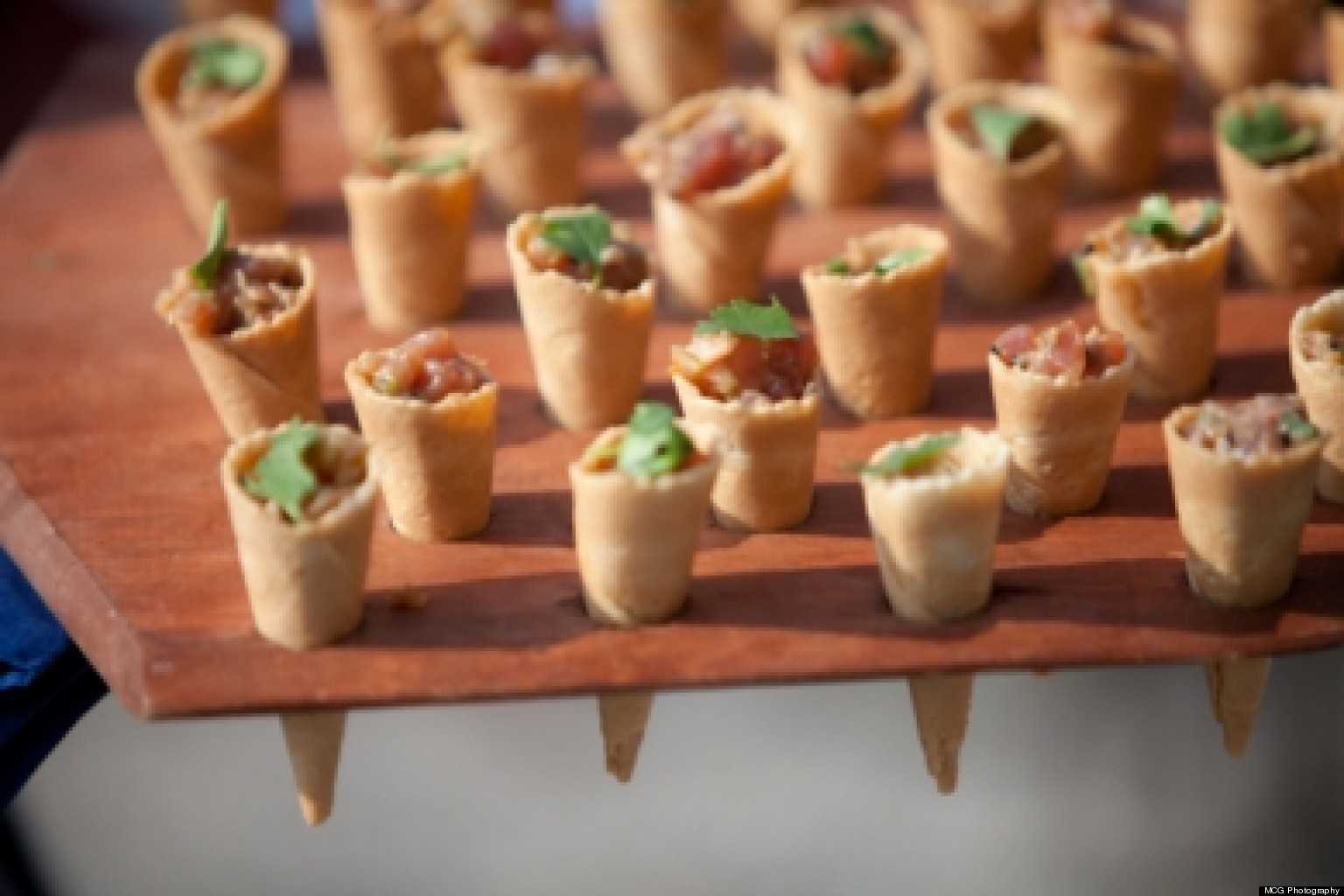 Wedding Food Service Styles: Pros And Cons