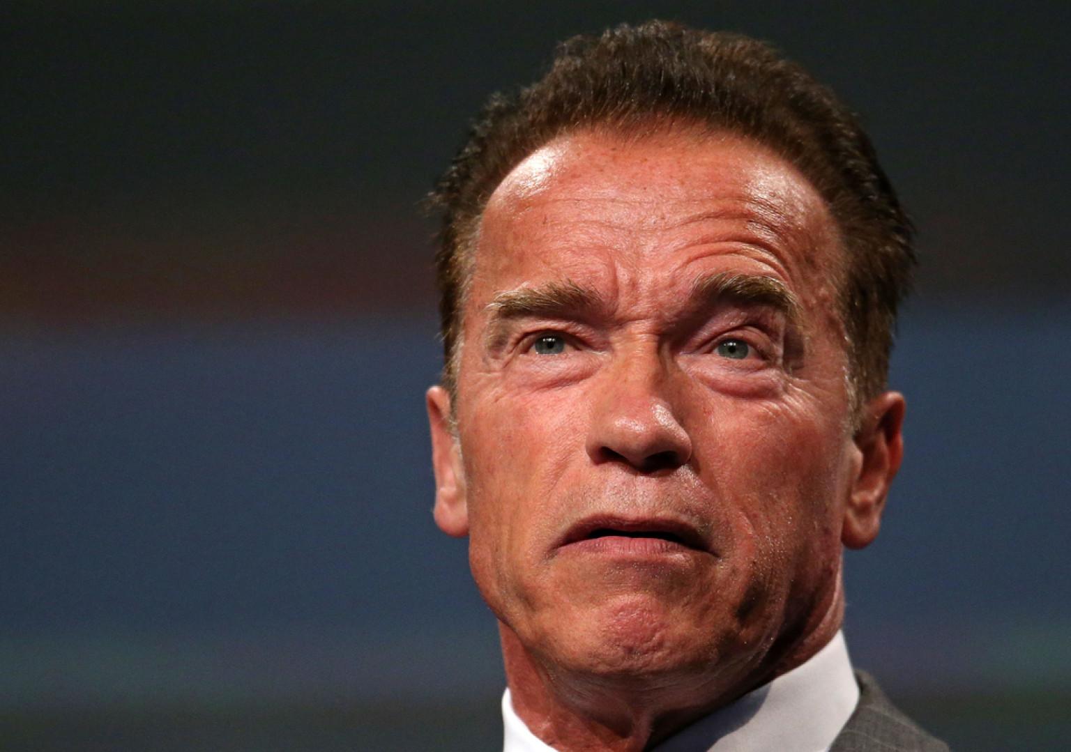 Arnold Schwarzenegger Thumbs