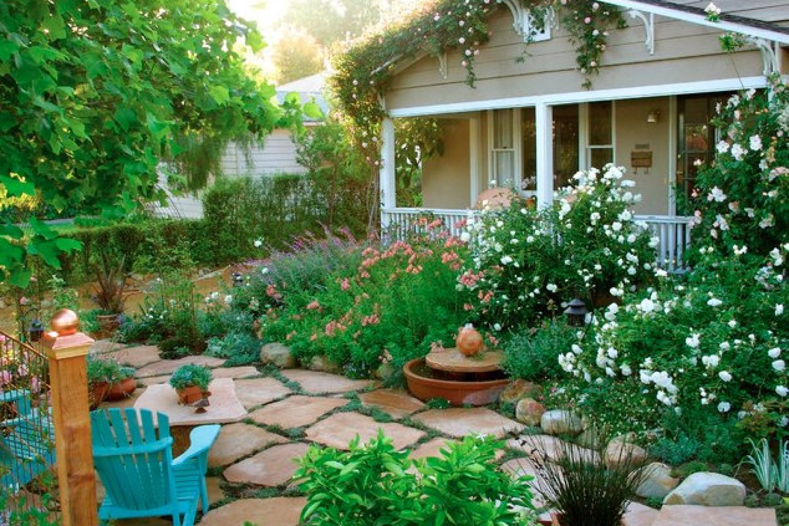 10 Cottage Gardens That Are Just Too Charming For Words ... on Bungalow Backyard Ideas id=90228