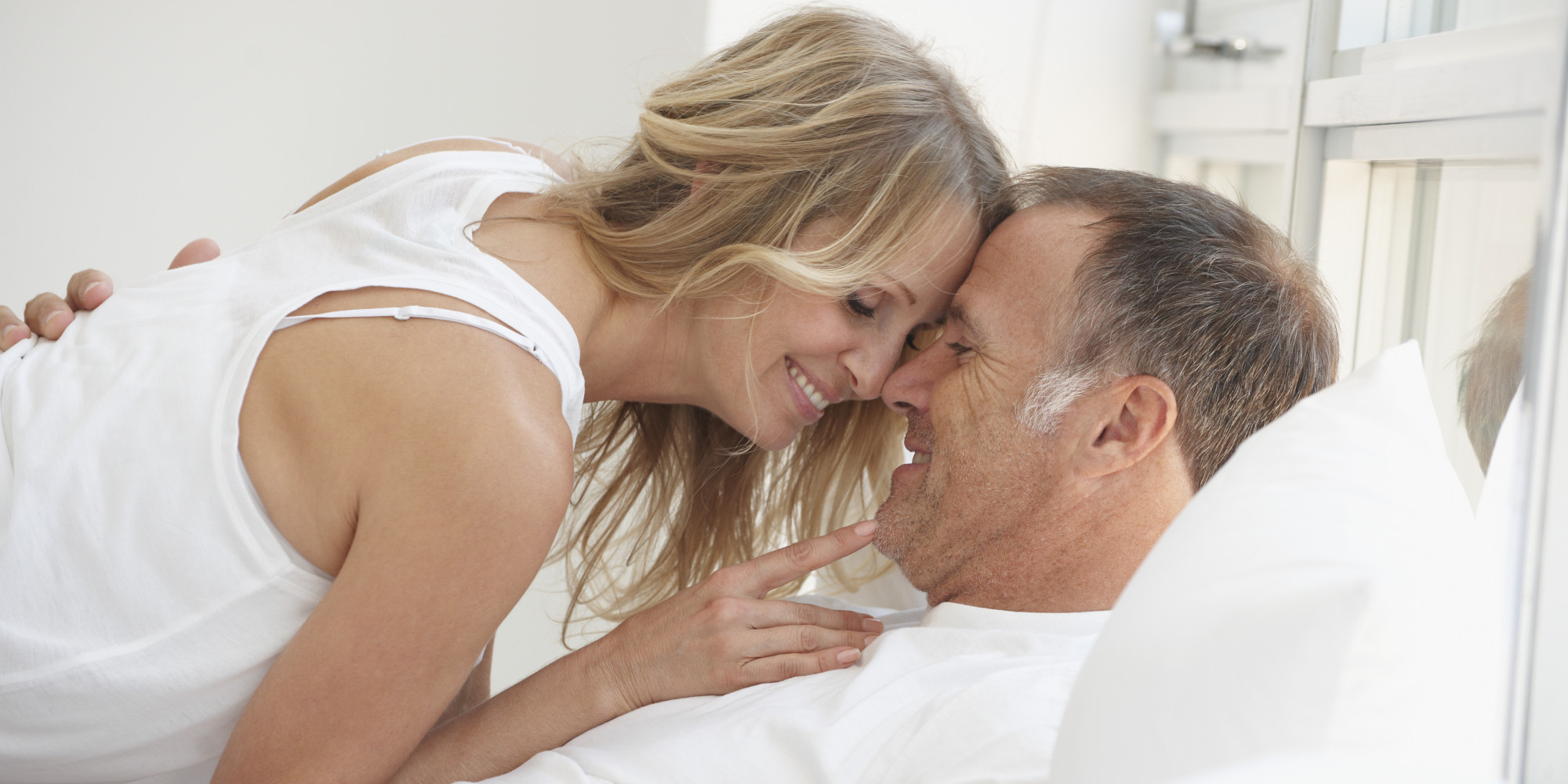 https://i1.wp.com/i.huffpost.com/gen/1717502/images/o-MATURE-COUPLE-IN-BED-facebook.jpg